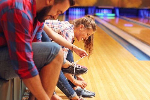 Bowling page shutterstock 496492807
